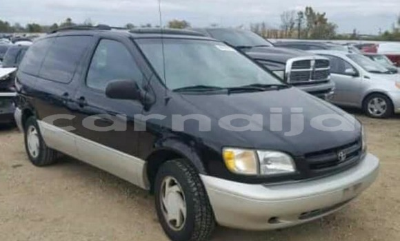 Buy Used Toyota Sienna Black Car in Abuja in Lagos State