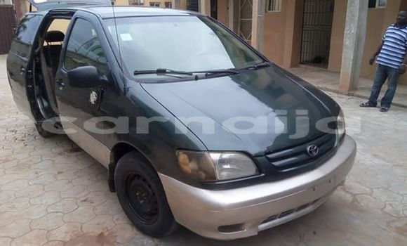 Buy Used Toyota Sienna Green Car in Lagos in Lagos State