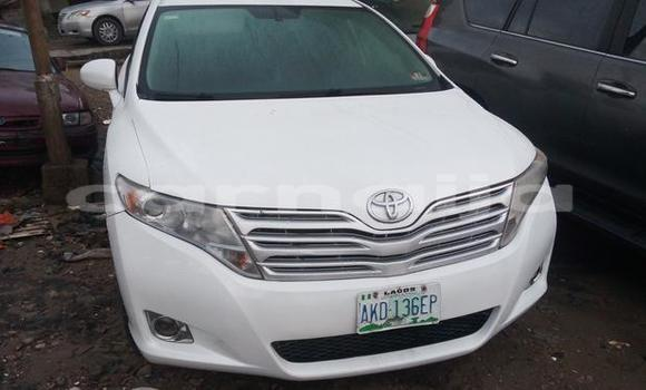 Buy Used Toyota Venza White Car in Surulere in Lagos State