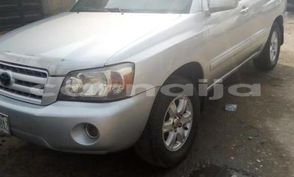Buy Used Toyota Highlander Silver Car in Surulere in Lagos State