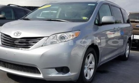 Buy Used Toyota Sienna Silver Car in Zango in Katsina