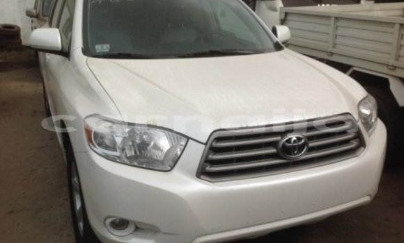 Buy Used Toyota Highlander White Car in Lagos in Lagos State