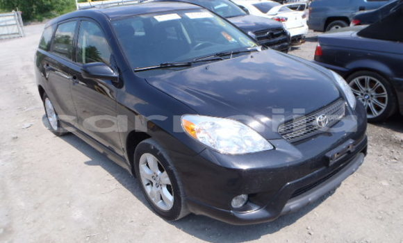 Medium with watermark toyota matrix xr 2007 model front view