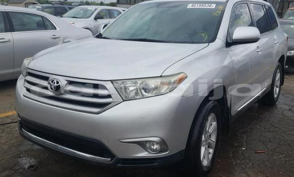 Buy Used Toyota Highlander Silver Car in Lagos in Lagos State