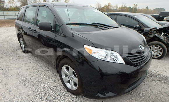 Buy Imported Toyota Sienna Black Car in Abuja in Lagos State