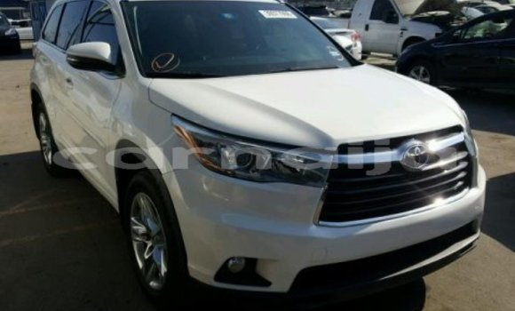 Buy Import Toyota Highlander White Car in Abuja in Lagos State