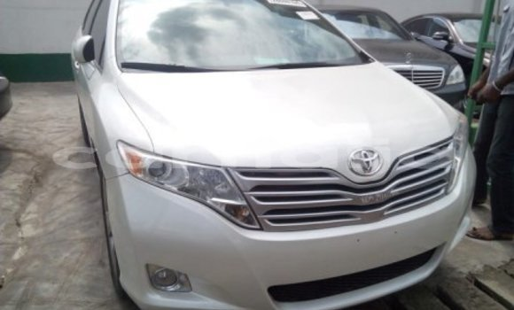 Buy Imported Toyota Venza White Car in Lagos in Lagos State