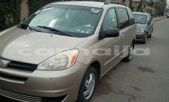 Buy Used Toyota Sienna Brown Car in Surulere in Lagos State