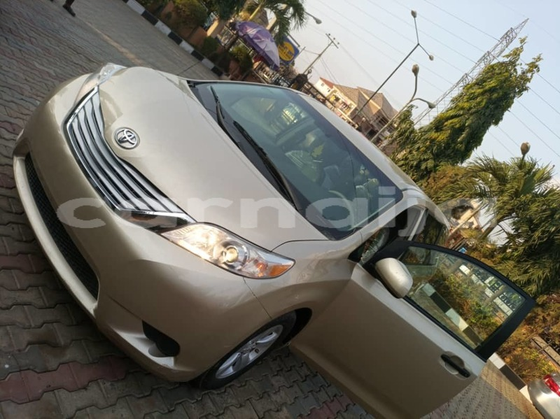 Big with watermark toyota sienna lagos state ikeja 6878