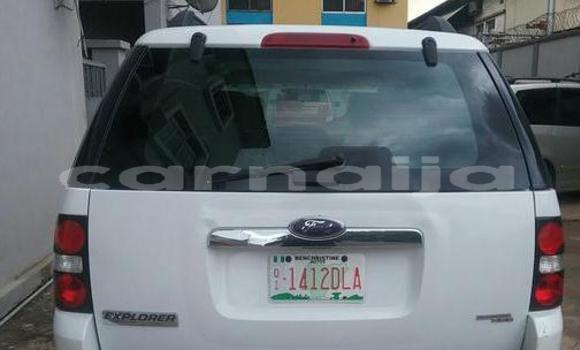 Buy Used Ford Explorer White Car in Surulere in Lagos State
