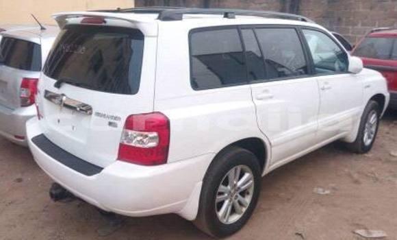 Buy Used Toyota Highlander White Car in Lagos in Lagos State